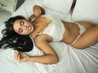 Webcam model ElizaMyers from Web Night Cam