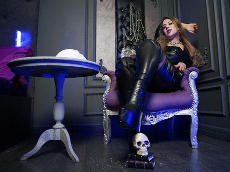Chat with MariskaSmirnov
