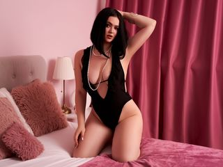 Webcam model SophieKroft from Web Night Cam