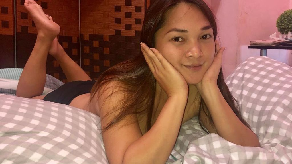 Cam Performer JhelaiFlower is online for chat