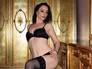 LaraDavies - hot and sexy Romanian mail-order bride