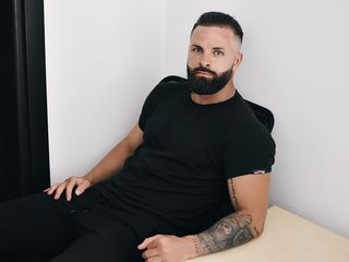 Sexy profile pic of Lothbrok