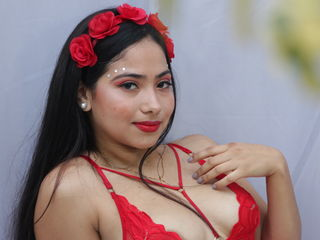 Webcam model CataleillaFlower from Web Night Cam
