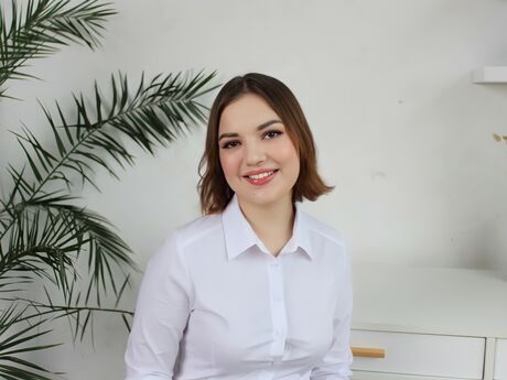 Chat with AlexiaDalton