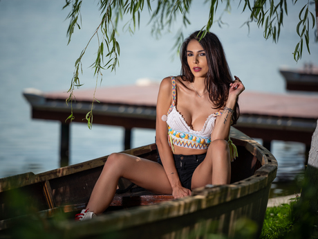 Chat with TaniaLovins
