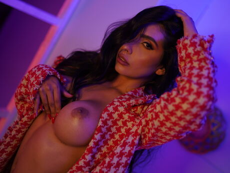 Chat with RosalieVega