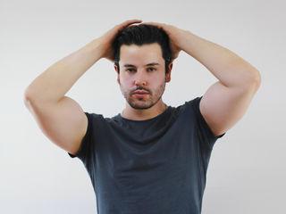 Sexy profile pic of AxelMiller