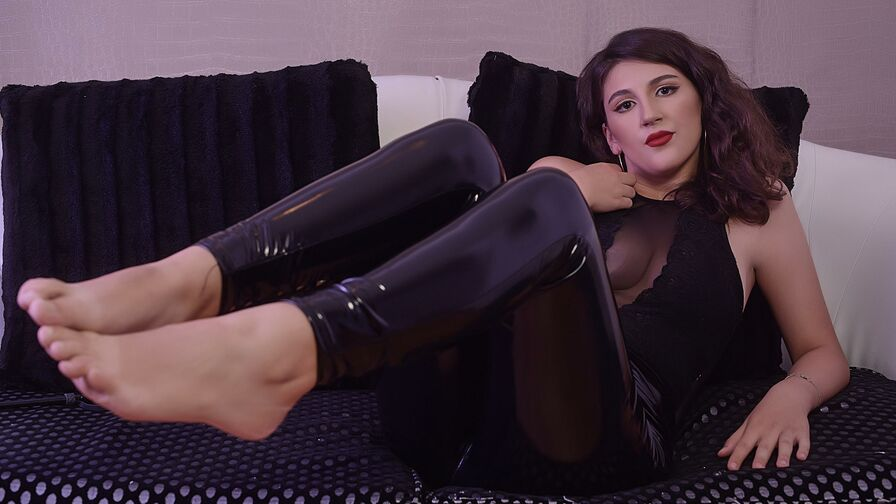 Chat with IrenaAdderly