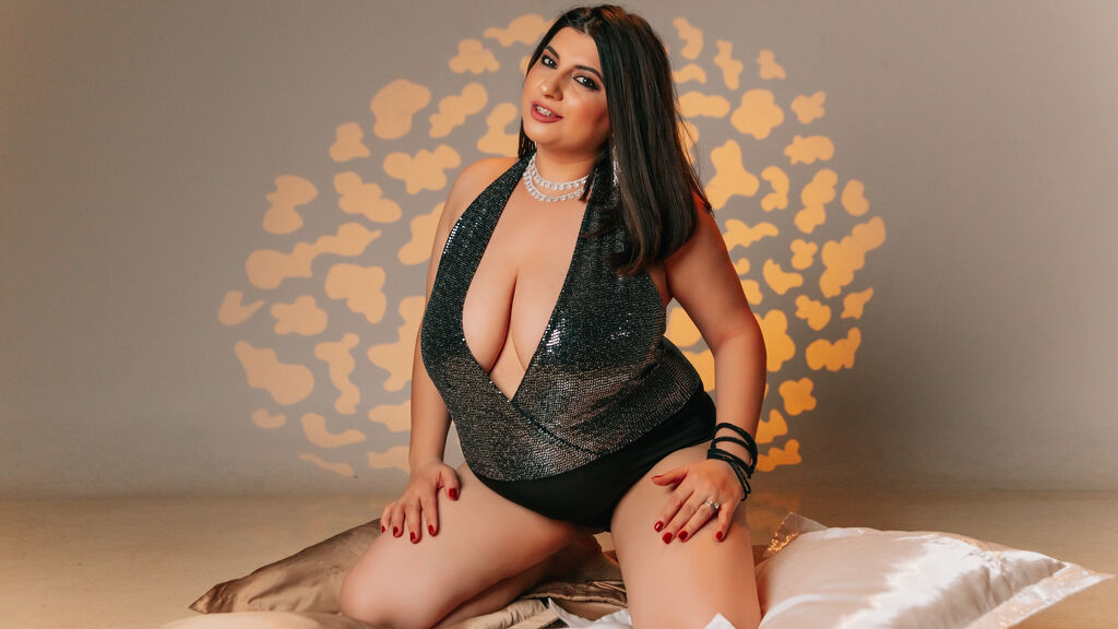 Watch the sexy SabrinaLogan from LiveJasmin at GirlsOfJasmin
