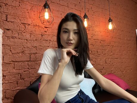 Chat with ChloeGrand