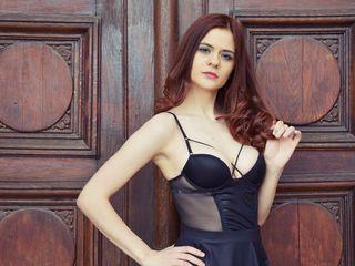 Sexy profile pic of ChloeRafaello