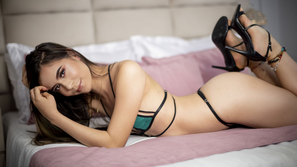 BellaHolmes at LiveJasmin