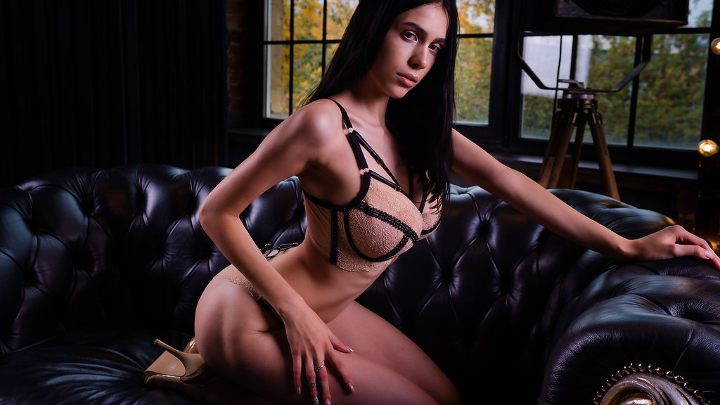Watch the sexy VickyHunt from LiveJasmin at GirlsOfJasmin