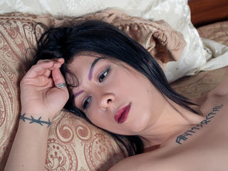 Webcam model MilanaOram from Web Night Cam