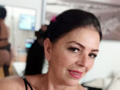Chat with NathalieFare