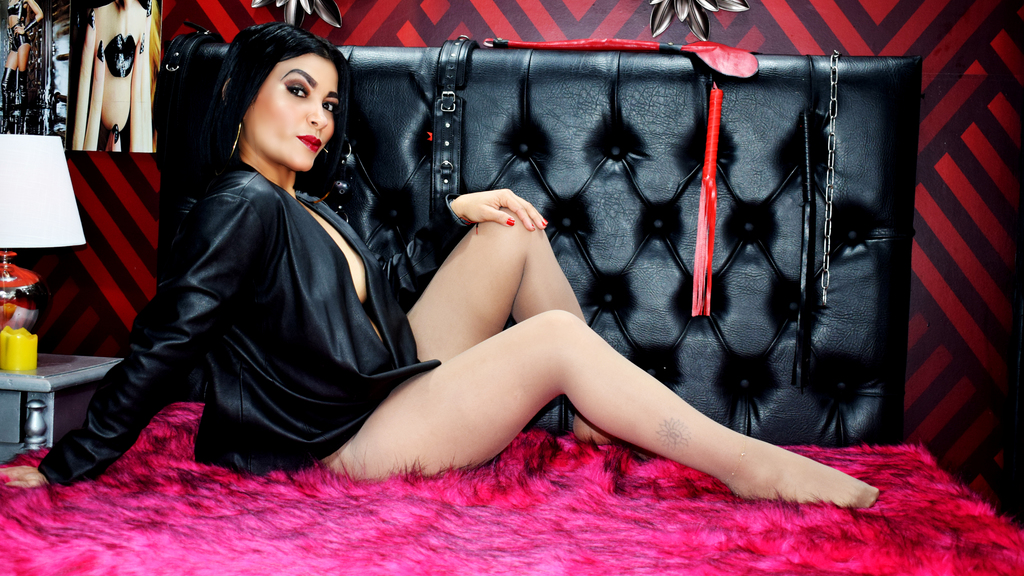 Watch the sexy VanessaDrake from LiveJasmin at GirlsOfJasmin