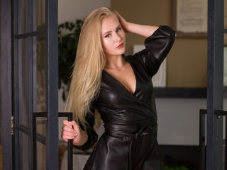 18 petite white female blonde hair blue eyes LolaEclipse chat room