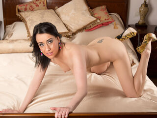 Sexy pic of SquirtSandraxxx