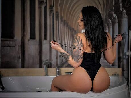 Chat with IzabelNoir