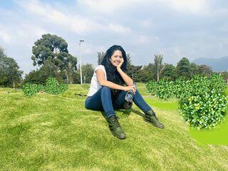 Sexy profile pic of CastilloMariana