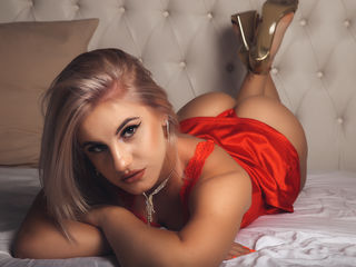 Webcam model KenzieParks from Web Night Cam